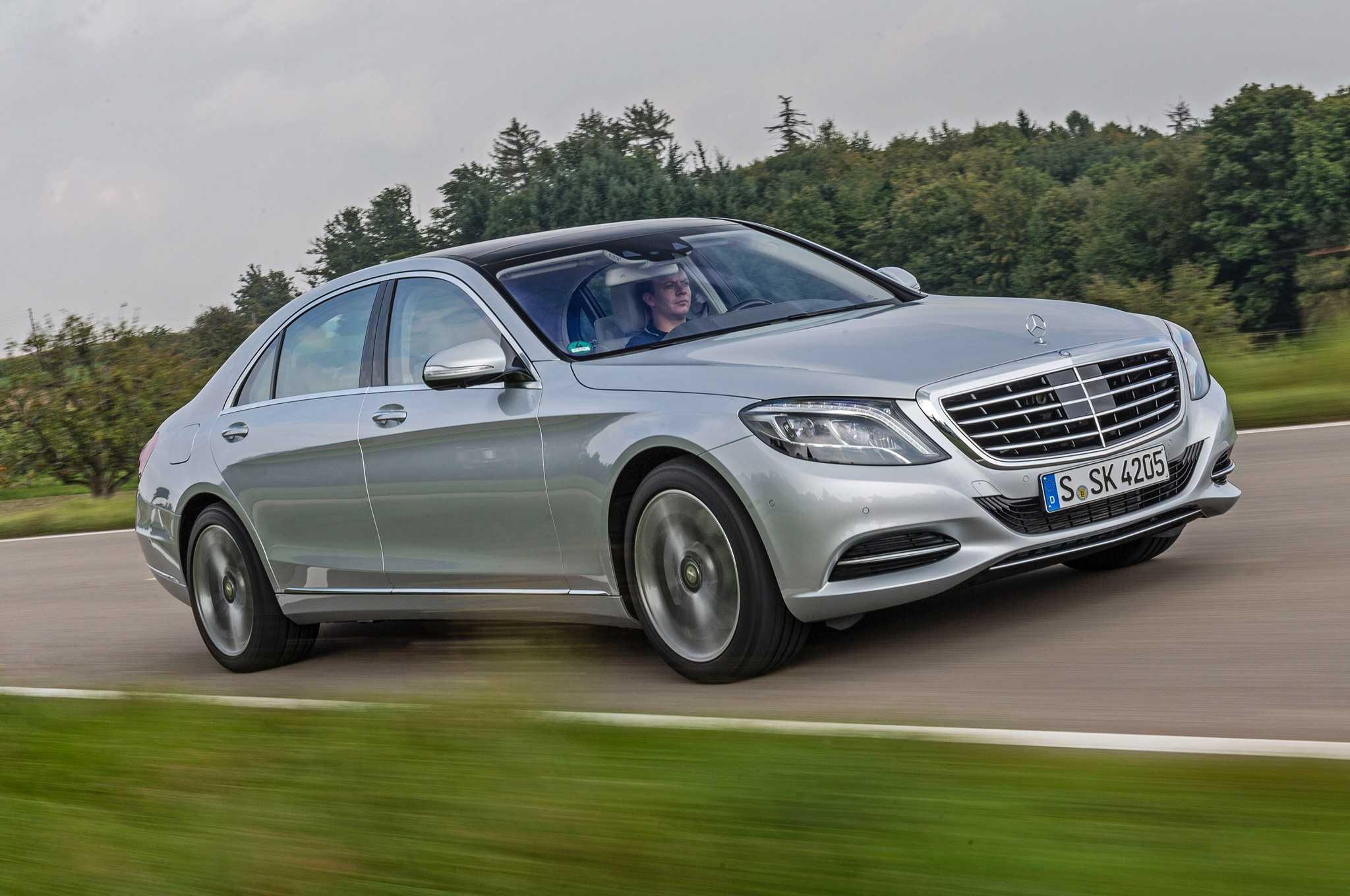 https://www.nashvillechatterclass.com/wp-content/uploads/2016/06/2015-Mercedes-Benz-S550.jpg