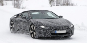 2019 BMW i8 Spyder Spotted for the First Time on Road in Camouflage