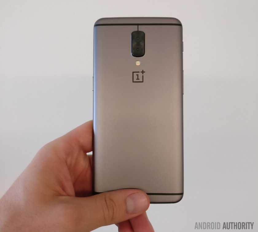 OnePlus 5 Prototype Leaked in Flesh, Confirms Dual-Lens Camera