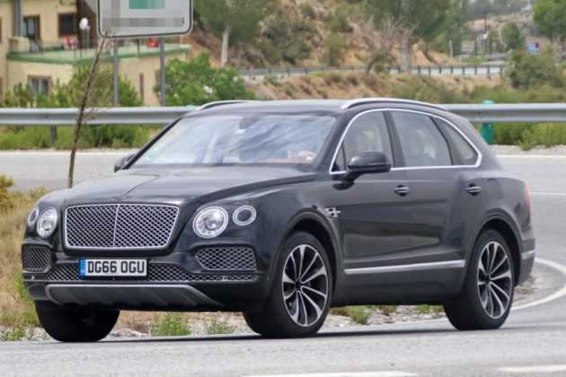 2018 bentley bentayga plug in hybrid is being tested spy shots emerge. Black Bedroom Furniture Sets. Home Design Ideas