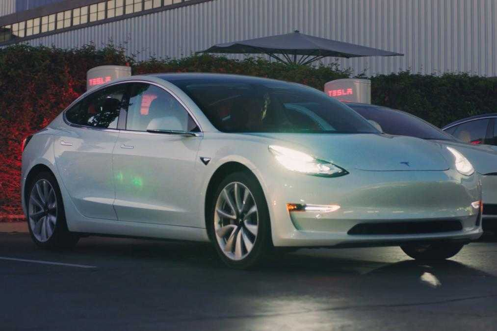 Tesla Model 3 Officially Launched, Detailed Specifications ...