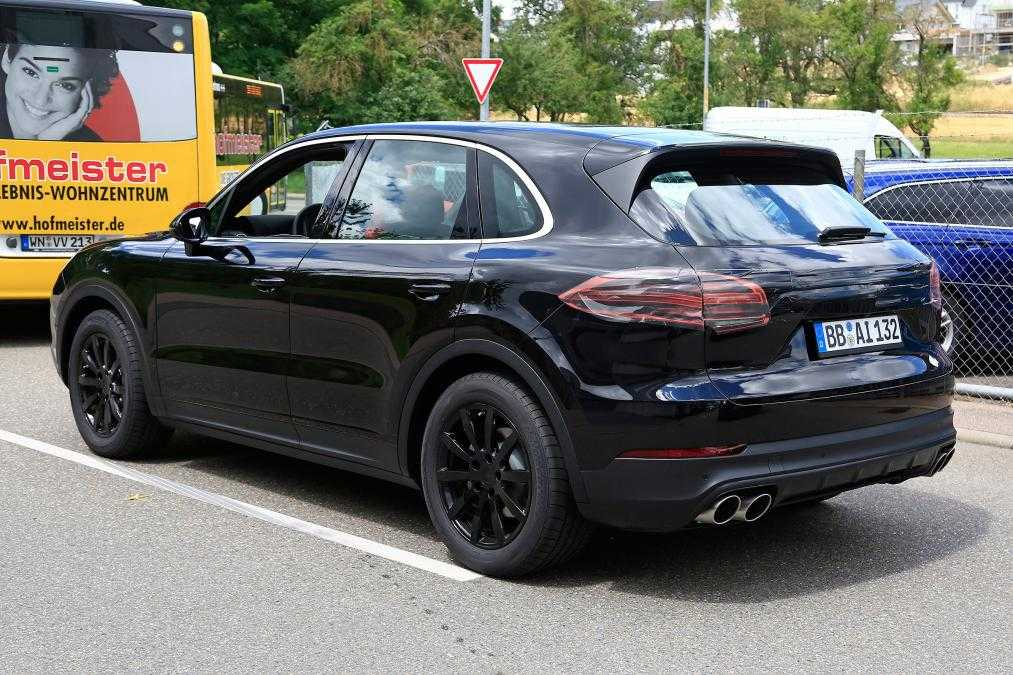 2018 Porsche Cayenne Suv Spotted In New Spy Photos